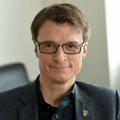 Sylvain Charlebois - twitter