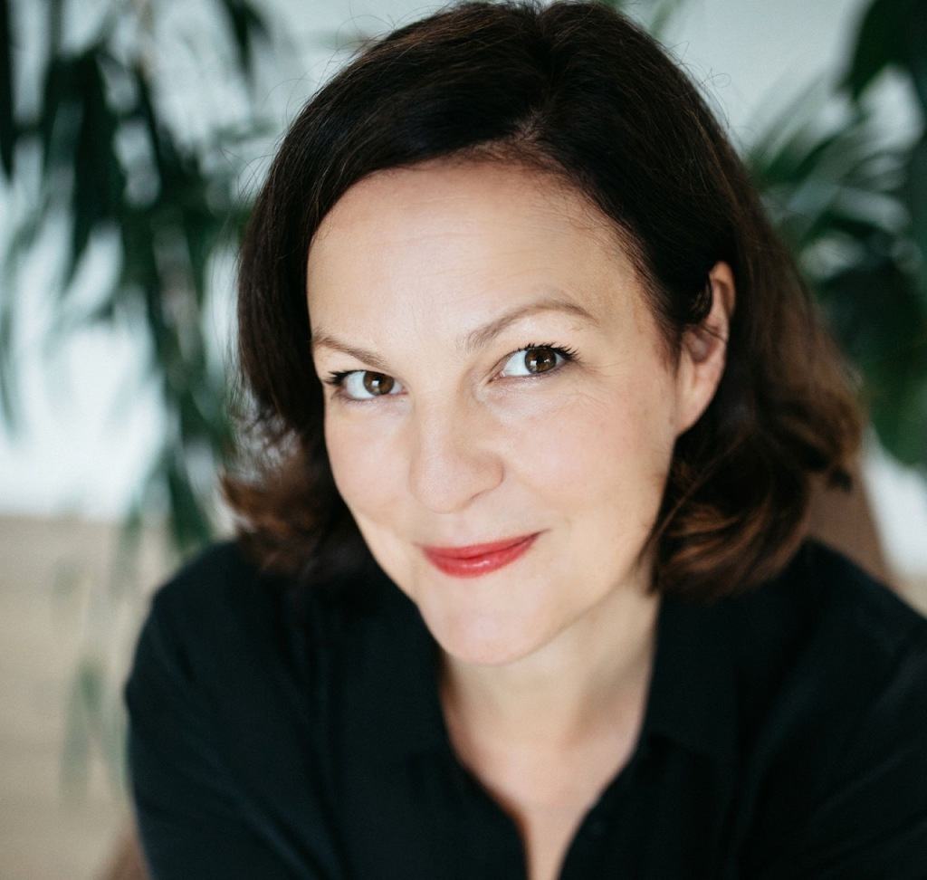 Lizzie Dent - author photo