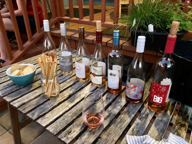 table ofNiagara rose wines